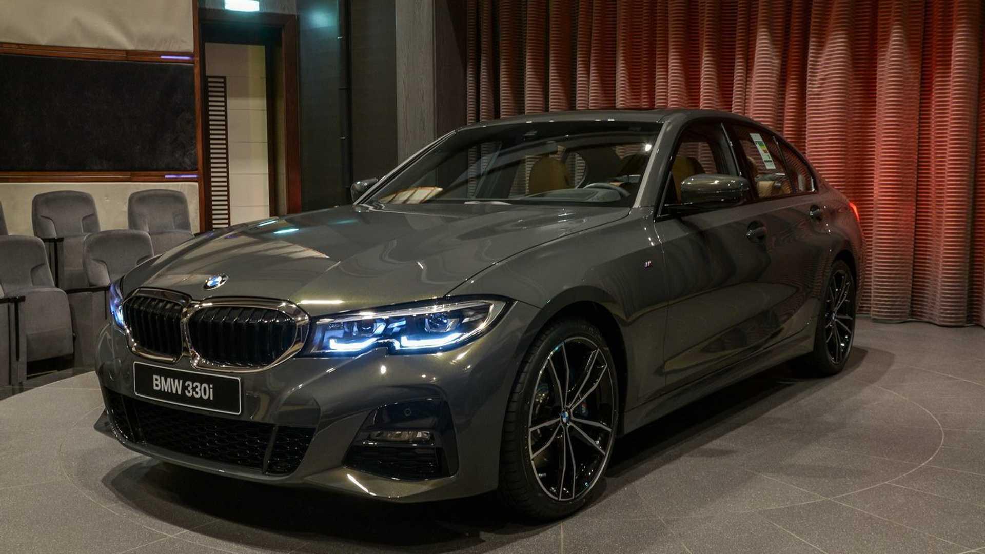 Formacar Bmw Abu Dhabi Motors Offers A Bmw 330i Dravit Gray Metallic
