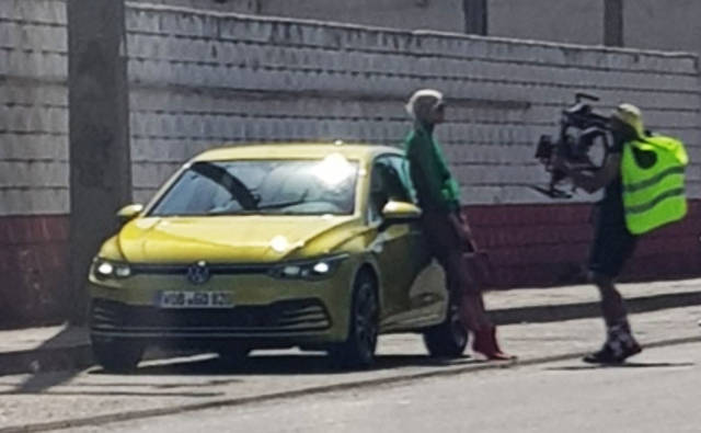FormaCar: Volkswagen Golf Mk8 gets spotted without clothes on